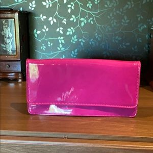Fuchsia clutch with removable chain